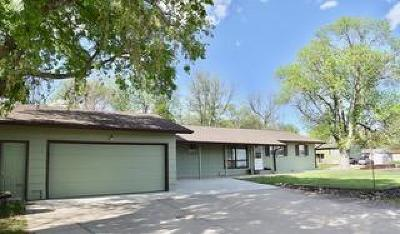 Pierre Single Family Home For Sale: 104 W 7th St
