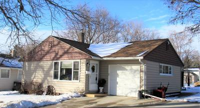 Pierre Single Family Home For Sale: 114 E Third Street