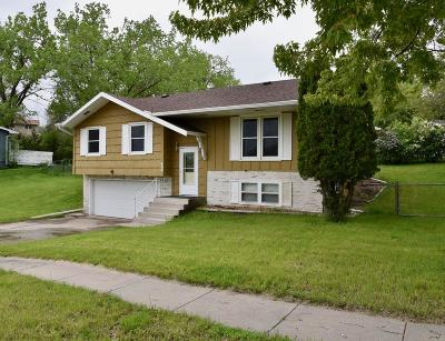 Pierre Single Family Home For Sale: 609 N Taylor Avenue