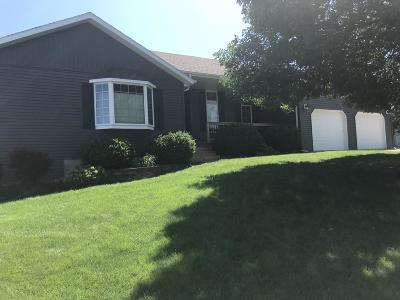 Pierre Single Family Home For Sale: 1220 Hilgers Drive