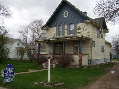 Woonsocket SD Single Family Home For Sale: $49,000