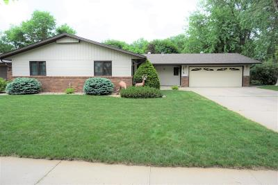 Huron Single Family Home For Sale: 1915 Iowa Ave SE
