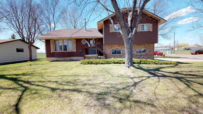 Huron Single Family Home For Sale: 2405 Wisconsin Ave SW
