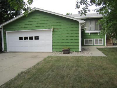 Huron Single Family Home For Sale: 333 20th St SE