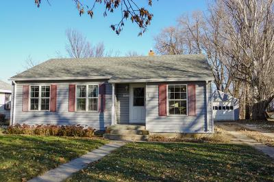 Huron Single Family Home For Sale: 1044 Idaho Ave SE