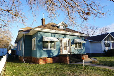 Huron Single Family Home For Sale: 752 Kansas SE