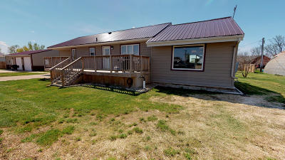 Yale SD Single Family Home For Sale: $158,700