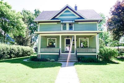 Huron Single Family Home For Sale: 670 Idaho Ave SE