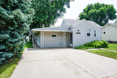 Huron Single Family Home For Sale: 180 5th St NE