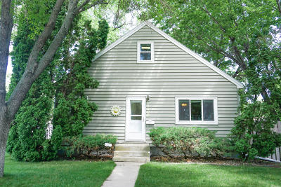 Huron Single Family Home For Sale: 1106 Frank Ave SE