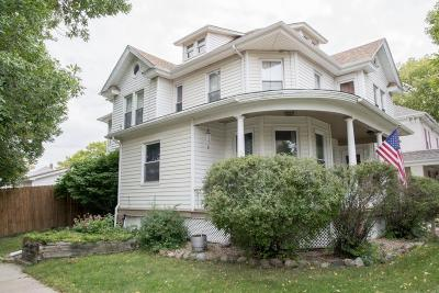 Mitchell Single Family Home For Sale: 201 W 3rd Ave