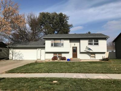 Mitchell SD Single Family Home For Sale: $159,800