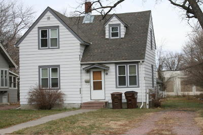Mitchell Single Family Home For Sale: 204 W 4th Ave