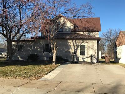 Single Family Home For Sale: 416 E 9