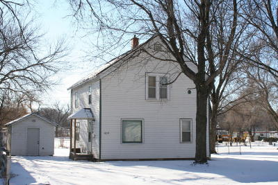Mitchell SD Single Family Home For Sale: $82,000