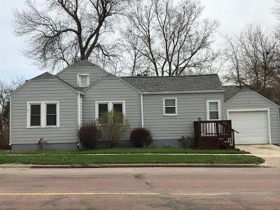 Single Family Home For Sale: 601 E 5th Ave