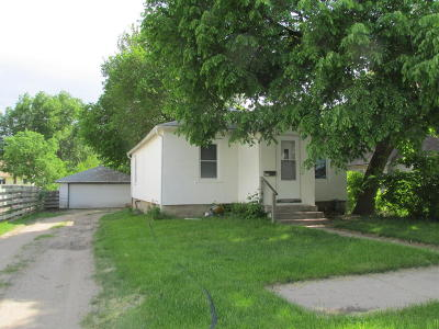 Single Family Home For Sale: 1019 W 7th