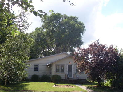 Single Family Home For Sale: 605 S Wisconsin St
