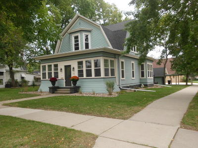 Mitchell Single Family Home For Sale: 501 E 6th Ave