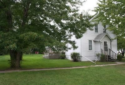 Single Family Home For Sale: 211 N Main
