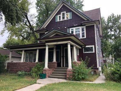 Mitchell Single Family Home For Sale: 315 W 4th Ave