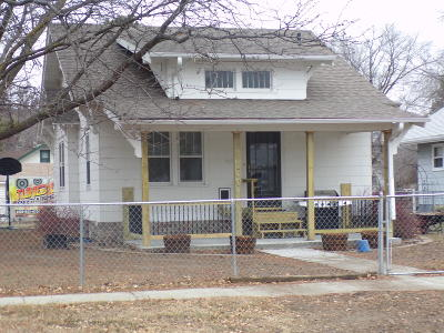 Mitchell SD Single Family Home For Sale: $140,000