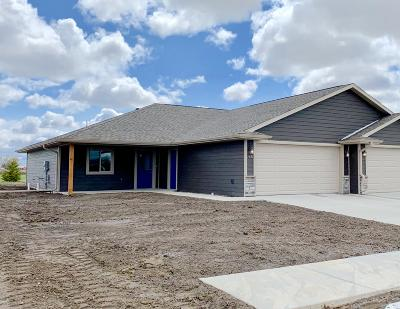 Mitchell SD Single Family Home For Sale: $194,900