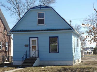 Single Family Home For Sale: 601 East Hanson Ave