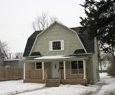 Single Family Home For Sale: 309 S Wisconsin St