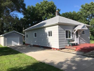 Mitchell Single Family Home For Sale: 1310 E Ash
