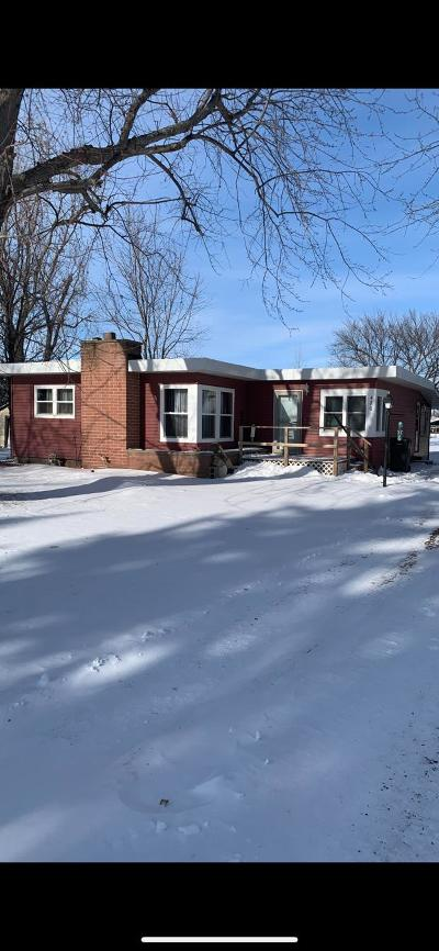 Single Family Home Pending: 420 W Essex