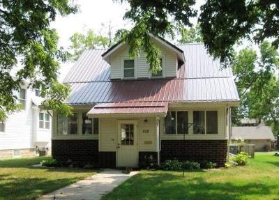 Mitchell Single Family Home For Sale: 819 E 5th