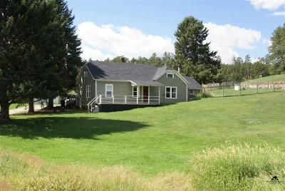 Custer SD Single Family Home Sold-Co-Op By Bor Member: $183,000