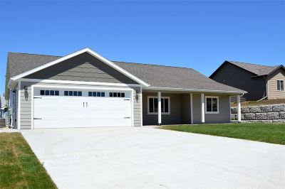 Belle Fourche Single Family Home For Sale: 811 Stoneridge Drive