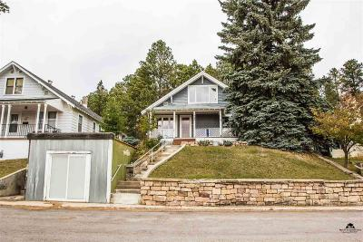 Single Family Home For Sale: 726 Ridge