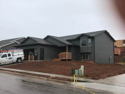 Sturgis Single Family Home Financing Contingency: 2543 Meadows