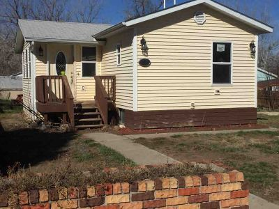 Belle Fourche SD Single Family Home For Sale: $74,900