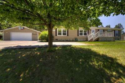 Sturgis SD Single Family Home Sold-Co-Op By Bor Member: $284,900