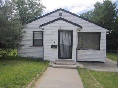 Single Family Home For Sale: 312 Canton