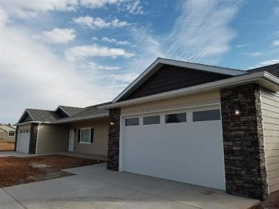 Sturgis Single Family Home For Sale: 2208 Quartzite