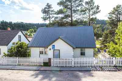 Single Family Home Uc-Contingency-Take Bkups: 147 Terraville