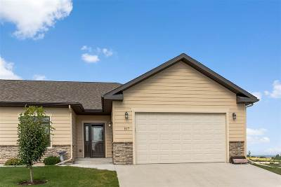 Spearfish Single Family Home Uc-Contingency-Take Bkups: 517 Falcon Crest