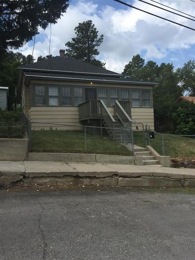 Lead Single Family Home For Sale: 415 Bleeker