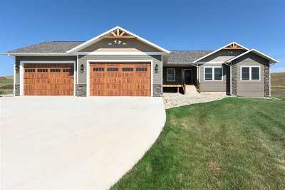 Spearfish Single Family Home For Sale: 2390 Tumble Weed