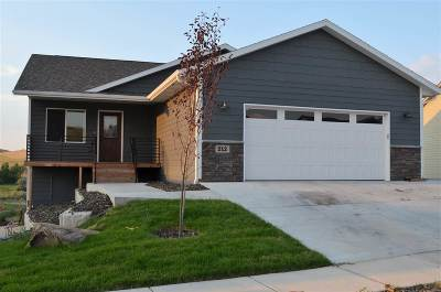 Rapid City Single Family Home For Sale: 212 E Bengal