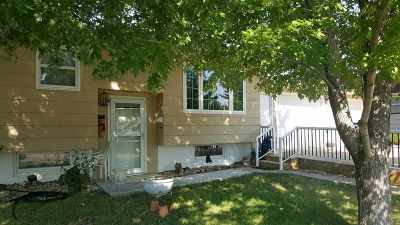 Belle Fourche SD Single Family Home Uc-Contingency-Take Bkups: $178,900