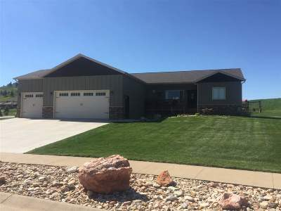 Spearfish Single Family Home For Sale: 2609 Honeysuckle Ct.