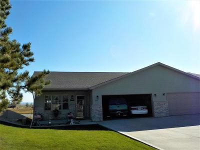 Belle Fourche SD Single Family Home Uc-Contingency-Take Bkups: $187,900