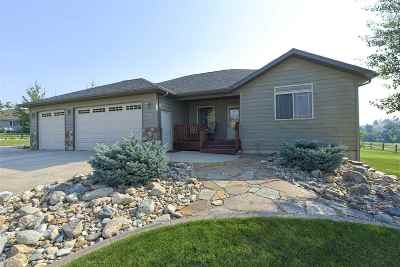 Spearfish Single Family Home Under Contract-Dont Show: 2005 Saddle Horn