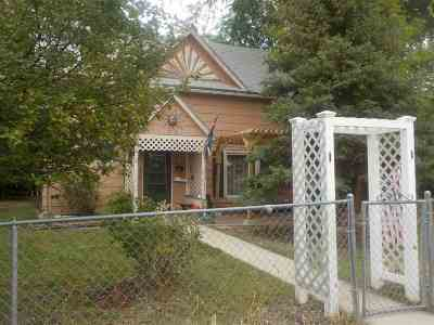 Belle Fourche SD Single Family Home For Sale: $72,900